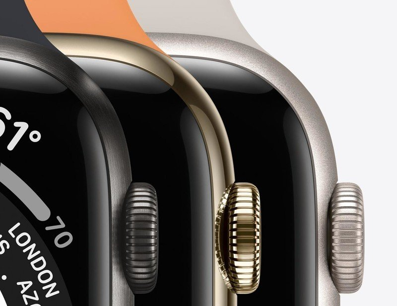 Ross Young: Apple Watch Series 8 could come in three sizes